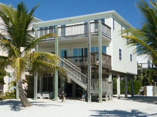 Beach Retreat North beach - Beach Retreat North Beach - Direct Beachfront Vacation Home overlooking Fort Myers Beach from Decks on 2 Levels with Shared Pool -  Beach Retreat N Beach - Fort Myers Beach - rentals