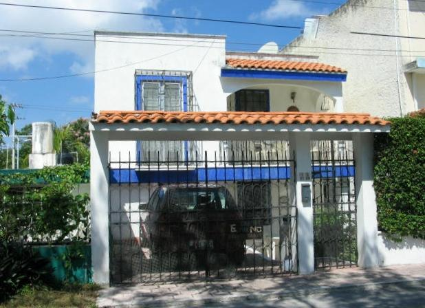 Outside View - PRIVATE HOME IN BEAUTIFUL DOWNTOWN CANCUN,MEXICO - Cancun - rentals