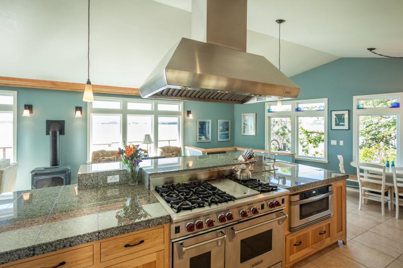 Bodega Bay Bird Watch kitchen - BIRD WATCH @ land's end w/water views to horizon - Bodega Bay - rentals