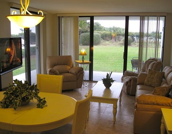 Very Bright Living Room - Walk Out to the Ocean - ** Bright Gorgeous Unit - 25 Steps to the Beach ** - Cape Canaveral - rentals