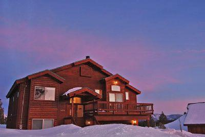 Comfortable Stockholm Vista **Hot Tub, VIEWS** - Image 1 - Truckee - rentals