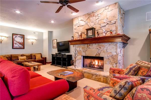 TOWN POINTE B304:  Walk to Town Lift! - Image 1 - Park City - rentals