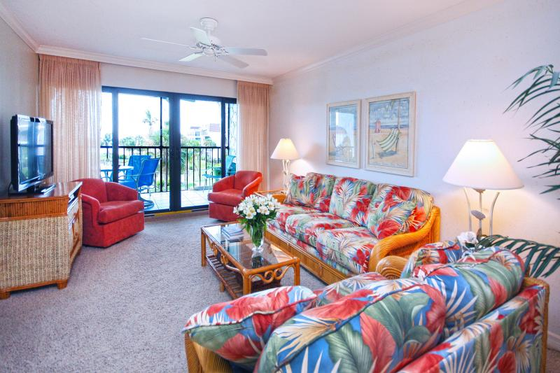 Living room with a view! - Pointe Santo C-36 - OCT 18 - 25 $1200 - Sanibel Island - rentals