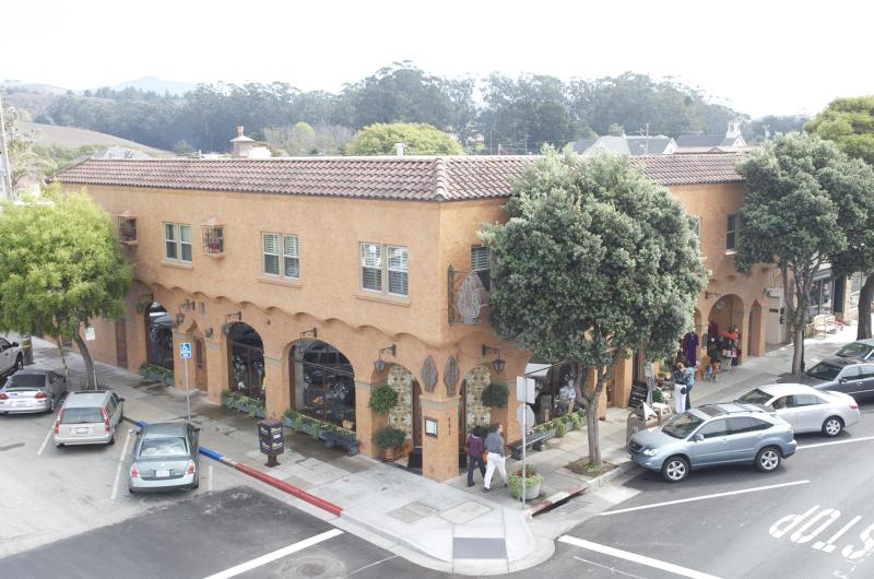 The Half Moon Bay Inn, located on Main St. in down-town Half Moon Bay - Beautiful Residence in Downtown Half Moon Bay - Half Moon Bay - rentals