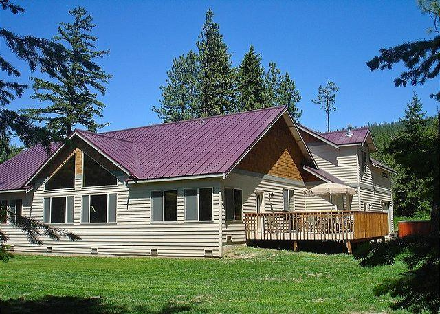 Sierra Meadows Lodge in early Summer!! - Luxury Vacation Home near the Lake!  5BR|Slps 16|Hot Tub  Pool! Free NIGHTS!! - Ronald - rentals