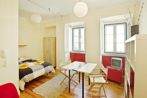 Apartment in Lisbon 10 - Baixa - managed by travelingtolisbon - Image 1 - Lisbon - rentals