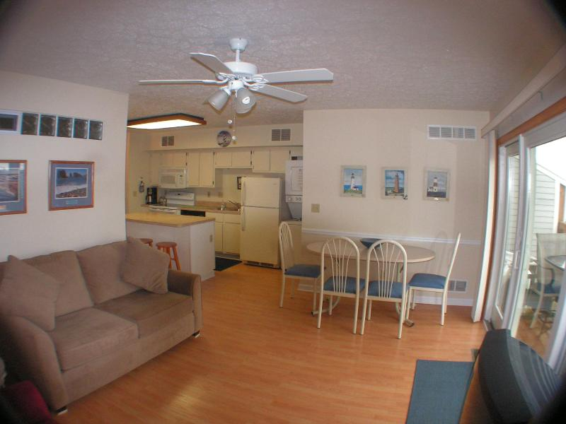 Very open , kitchen on left , balcony on right  - Lake Erie Pristine  Waterfronts Condo Sandy Beach - Port Clinton - rentals