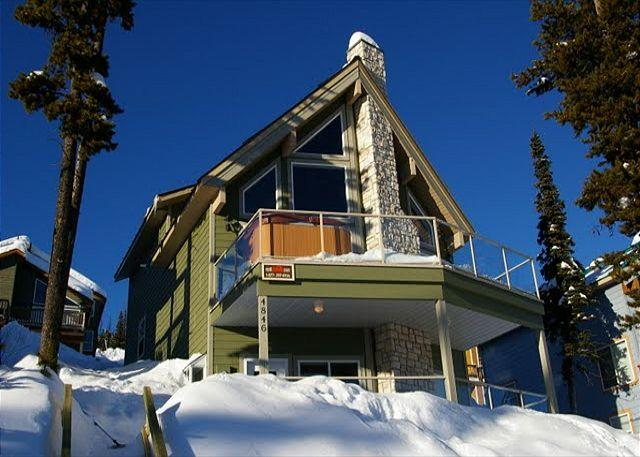 FRONT ELEVATION - Big Sky Chalet Snow Pines Estates Sleeps 14 - Big White - rentals