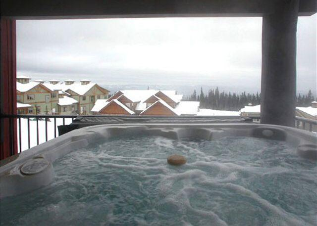 HOT TUB - Raven 203 Happy Valley Location Sleeps 8 - Big White - rentals
