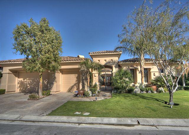 Front View - Beautiful Golf Course Home with Private Resort Pool - La Quinta - rentals