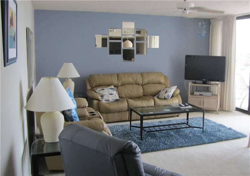 Cozy 2BR with HDTV/DVD, King bed #309GV - Image 1 - Sarasota - rentals