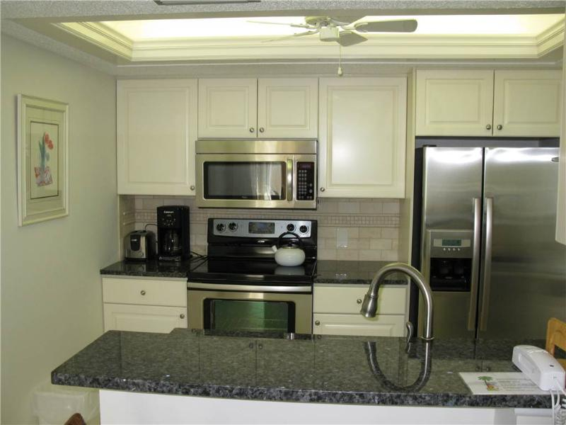 Recently renovated 2BR with new furniture #409GV - Image 1 - Sarasota - rentals
