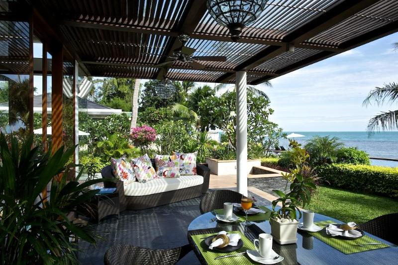 Terrace overlooking the sea - Luxury - Right on the Beach! - Koh Samui - rentals