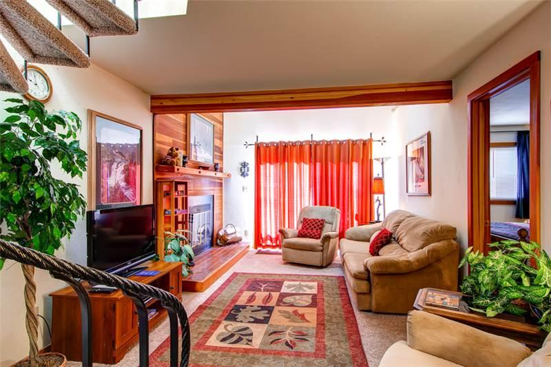 3 BR/3 BA exceptional condo for 9, breath taking views, centrally located - Image 1 - Silverthorne - rentals