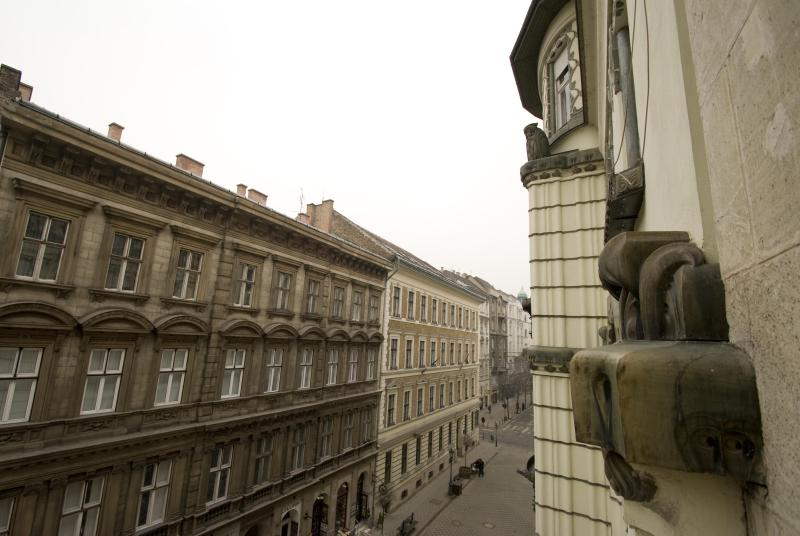 balcony wiev - Lovely flat with balcony in the historic center - Budapest - rentals