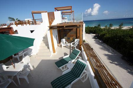 Private Rooftop Terrace with Ocean Views, Lounge Chairs and Patio Set - Panoramic Oceanview Beachside Penthouse - Paraiso - Playa del Carmen - rentals