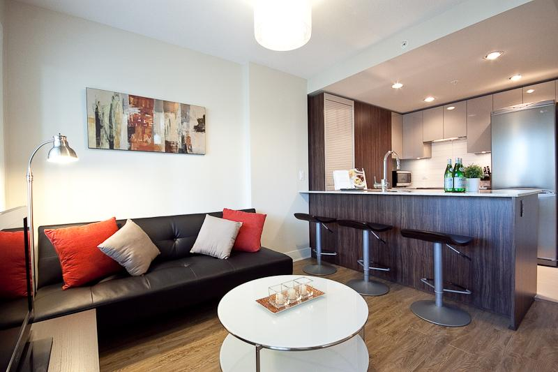 Living Room - 2 BR Luxury Apartment/Gym in Downtown - Yaletown - Vancouver - rentals