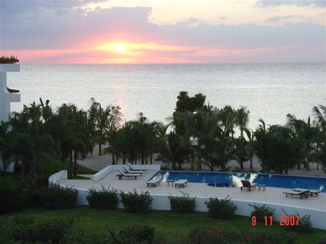La Casita de Stephanie (8230) - Footsteps to Best Beach! Free Wi-fi! Free Calls to USA, MX&Canada! - Image 1 - Cozumel - rentals