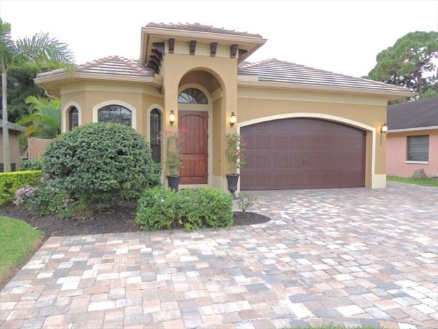 "Brand new construction with all the custom upgrades - ""FALL""ING PRICES thru 12/1 only $1400 per week! - Naples - rentals"