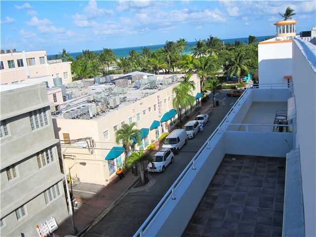 Terrace with oceam view - 2/2 Loft PH steps to Ocean Dr. private Ocean VIEW! - Miami Beach - rentals
