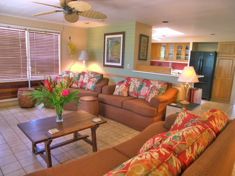 Large living room with lots of comfortable seating - Ala Muku, Kauai Vacation Home 20% DISCOUNT TIL OCT - Poipu - rentals