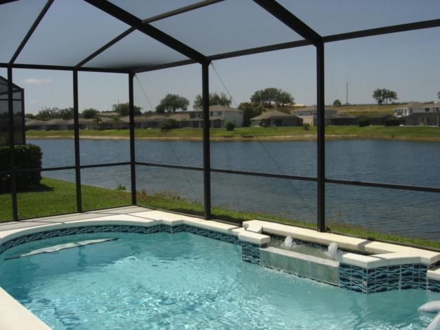 Beautiful Lakeside Relaxation! - Tropical Lakefront Villa!  Only 5 mins to Disney! - Kissimmee - rentals