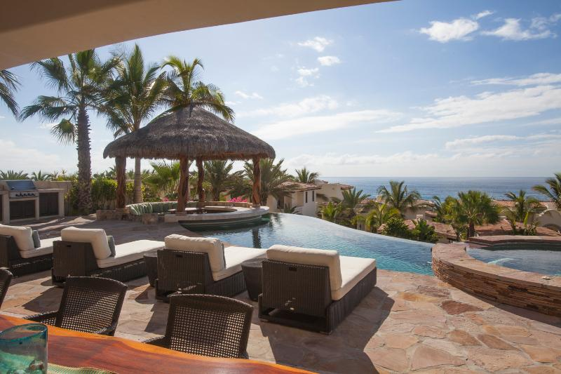 4BD Beautiful Villa, 250 feet to the the beach! - Image 1 - San Jose Del Cabo - rentals