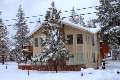 BEST DUPLEX IN TOWN BY THE BEACH & GONDOLA - Image 1 - South Lake Tahoe - rentals
