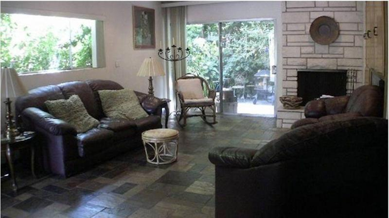 Living Room looking west on patio - 3 Br 3 Ba  Beverly Hills area Townhome - Los Angeles - rentals
