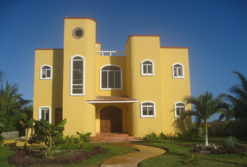 View from front - LUXURY OCEAN FRONT **LAZY DAYS of SUMMER  $1249 ** - Puerto Morelos - rentals