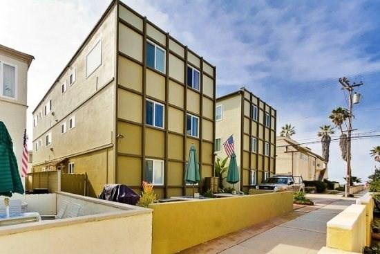 The Sandpiper Beach Apartments - On Cohasset Court and Strandway - The Sandpiper - South Mission Beach - San Diego - rentals