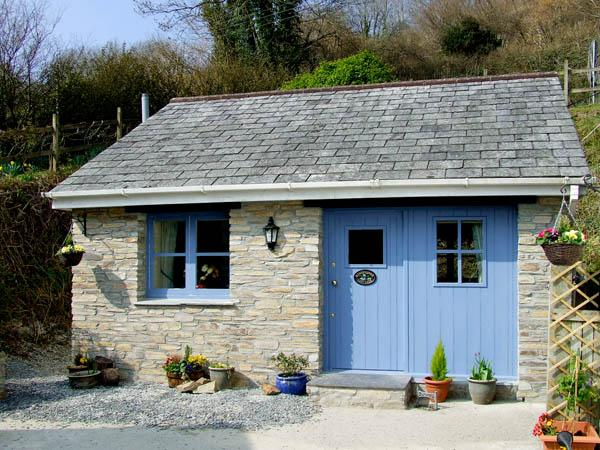 KINGFISHER COTTAGE, country holiday cottage, with a garden in Pentewan, Ref 2957 - Image 1 - Pentewan - rentals