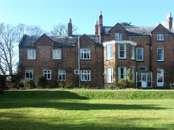 2 THE CLOSE, country holiday cottage, with a garden in Radbourne, Ref 1708 - Image 1 - Radbourne - rentals
