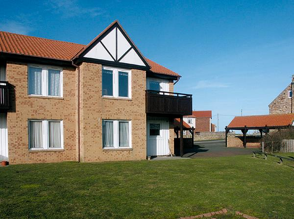 BAY VIEW, family friendly, with a garden in Beadnell, Ref 1041 - Image 1 - Beadnell - rentals