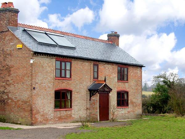 CANAL COTTAGE, family friendly, character holiday cottage, with a garden in Whixall, Ref 2803 - Image 1 - Whixall - rentals