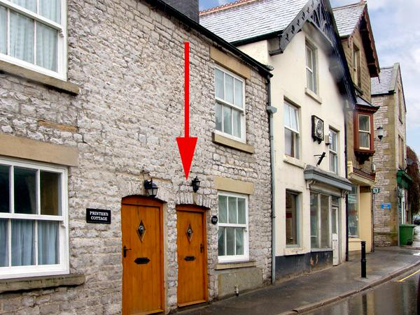 EXCHANGE COTTAGE, family friendly, character holiday cottage in Tideswell, Ref 2422 - Image 1 - Tideswell - rentals