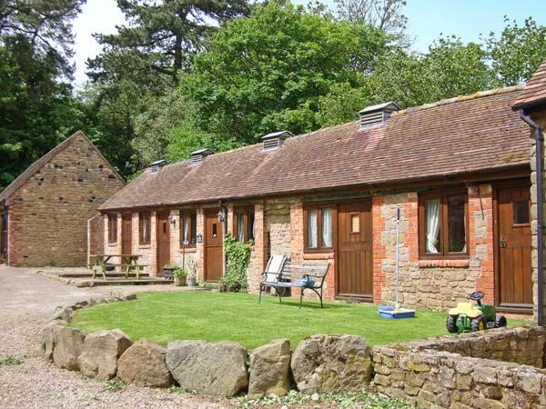 SPINNEY RETREAT, pet friendly, luxury holiday cottage, with a garden in Cardington Near Church Stretton, Ref 1191 - Image 1 - Cardington - rentals