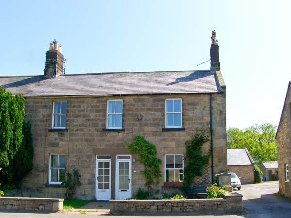 HILL VIEW, family friendly, character holiday cottage, with a garden in Powburn Near Alnwick, Ref 1249 - Image 1 - Powburn Near Alnwick - rentals