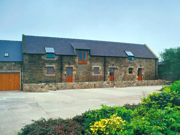JENNY'S COTTAGE, romantic, character holiday cottage in Alnmouth, Ref 820 - Image 1 - Alnmouth - rentals
