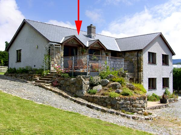 LLETY'R BUGAIL, family friendly, country holiday cottage, with a garden in Dolgellau, Ref 3570 - Image 1 - Dolgellau - rentals
