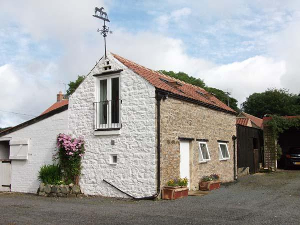 LITTLE MANOR FARM COTTAGE, romantic, character holiday cottage in Nawton, Ref 2688 - Image 1 - Nawton - rentals