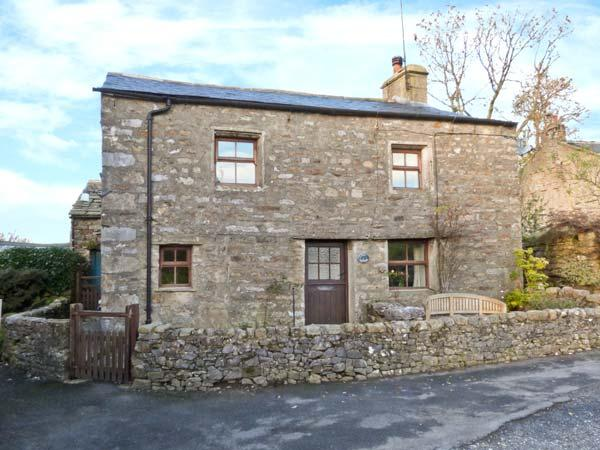 OAK COTTAGE, pet friendly, character holiday cottage, with a garden in Horton-In-Ribblesdale, Ref 913 - Image 1 - North Yorkshire - rentals