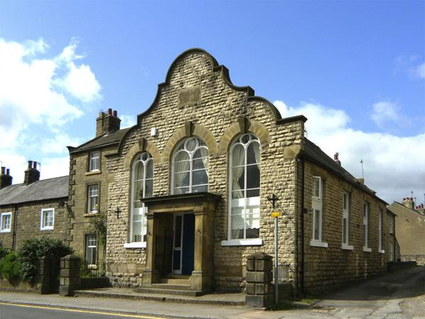 OLD CHAPEL POST HOUSE, pet friendly, character holiday cottage in Masham, Ref 3528 - Image 1 - Masham - rentals