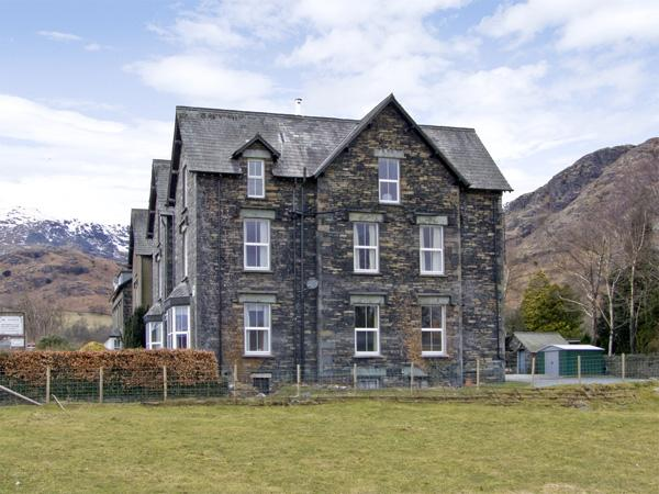 SHEPHERDS VILLA, family friendly, character holiday cottage, with a garden in Coniston, Ref 1591 - Image 1 - Coniston - rentals