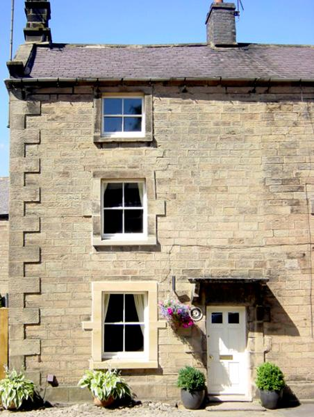 STONEHEATH COTTAGE, pet friendly, character holiday cottage, with a garden in Winster, Ref 2558 - Image 1 - Winster - rentals