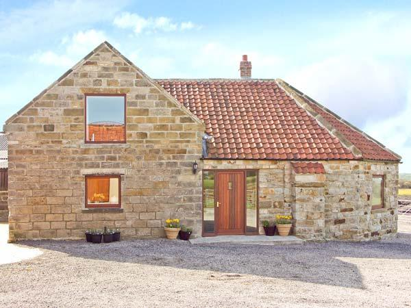 THE WHEELHOUSE, pet friendly, character holiday cottage, with a garden in Danby, Ref 1017 - Image 1 - Danby - rentals