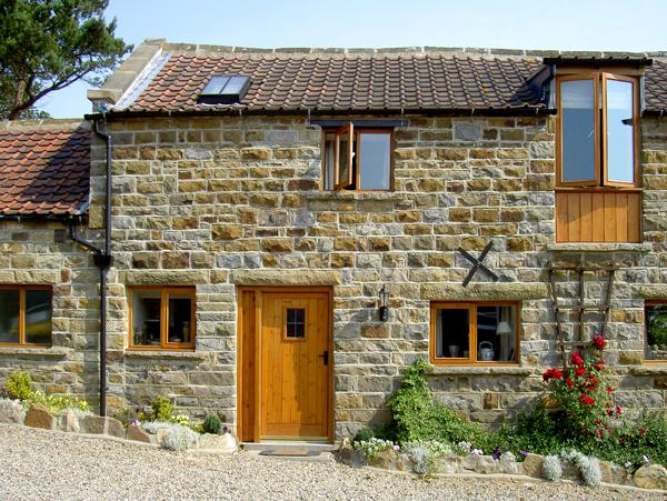 GRANARY COTTAGE, pet friendly, character holiday cottage, with a garden in Staintondale, Ref 1211 - Image 1 - Staintondale - rentals