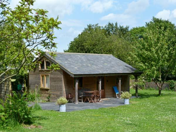 THE SPRINGS, romantic, luxury holiday cottage, with pool in Ryde, Isle Of Wight, Ref 2906 - Image 1 - Ryde - rentals