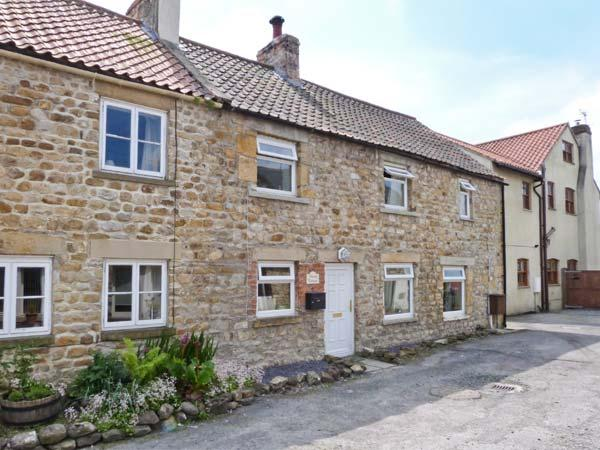 DAIRY COTTAGE, pet friendly, character holiday cottage, with a garden in Masham, Ref 1068 - Image 1 - Masham - rentals