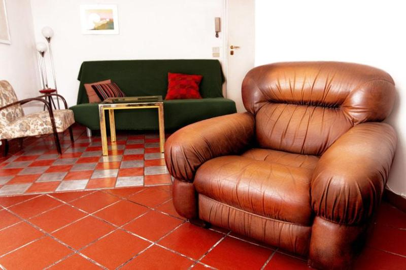 Retrome Colosseum, central and charming with patio - Image 1 - Rome - rentals